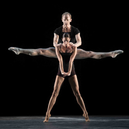 Les Ballets de Monte-Carlo: Nacho Duato: White Darkness / Joseph Hernandez: The Lavender Follies