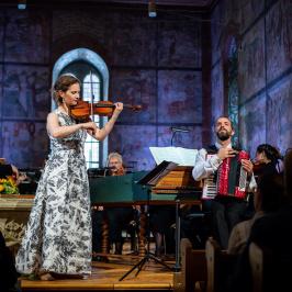 The Deutsche Kammerphilharmonie Bremen, Omer Meir Wellber & Hilary Hahn