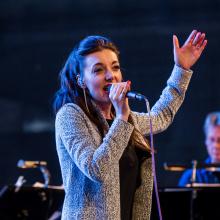the performance of Pajka Pajk with Dasha