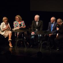 Zleva: Libuše Márová, Gabriela Beňačková, Libor Pešek, Milan Kňažko, Jiří Vejvoda